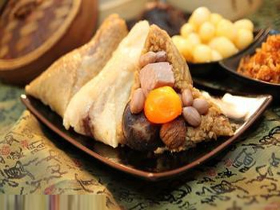 图片二:端午粽子飘香